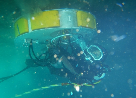 01. Underwater Hull Cleaning